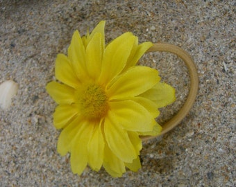 Daisy Flower Hair Pony Tail Elastic, Boho Style, Flower Child, Music Festivals, Coachella Music Festival, Yellow Daisy Flower, Summer