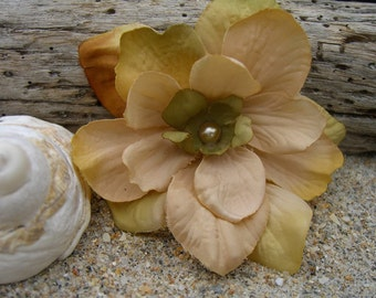 Flower Hair Clip-SUMMER WIND-Shabby Chic Flower, Rustic Weddings, Barn Dances, Summer Picnic, Beach Weddings, Country Girl, Cowgirls