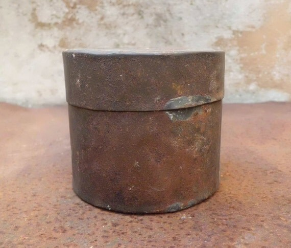 Rusty tin from Spain