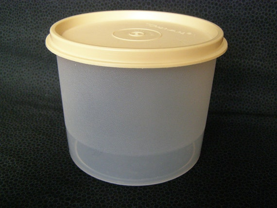Tupperware One Pint Vintage Storage Canister