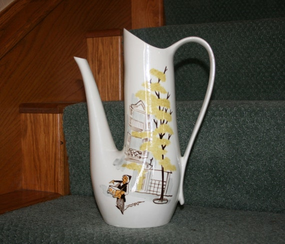 Red Wing Pottery Montmarte Pattern Water Pitcher