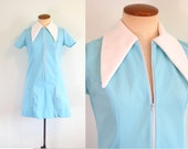 1960s Waitress Dress Mod Mini Robins Egg Blue Batwing Collar 60s Tennis Dress Vintage White Pointy Collar Zip Slits XS S Small