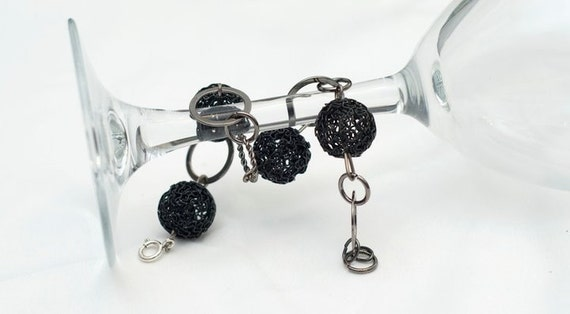 SALE - Black Metal Bracelet , Gun Metal Links ,Fashion jewellry made in Canada , Great jewellry Gifts for you