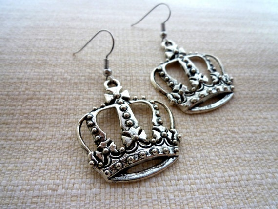 Antique Silver Crown Earring