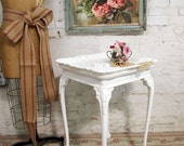 Vintage Painted Cottage Chic Shabby White End Table ENT116