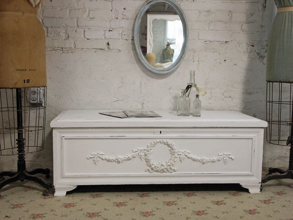 Vintage Painted Cottage Chic Shabby White Cedar Hope Chest