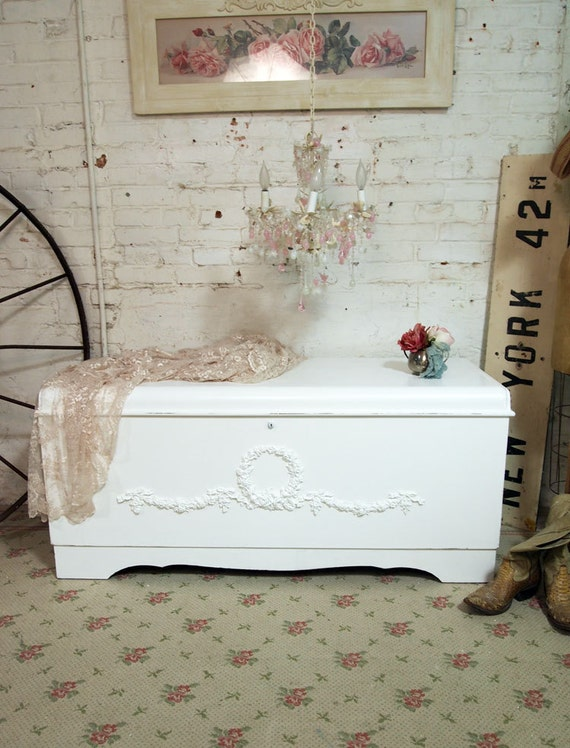 Painted cottage chic shabby white hope chest vf239 for Cassapanca shabby chic