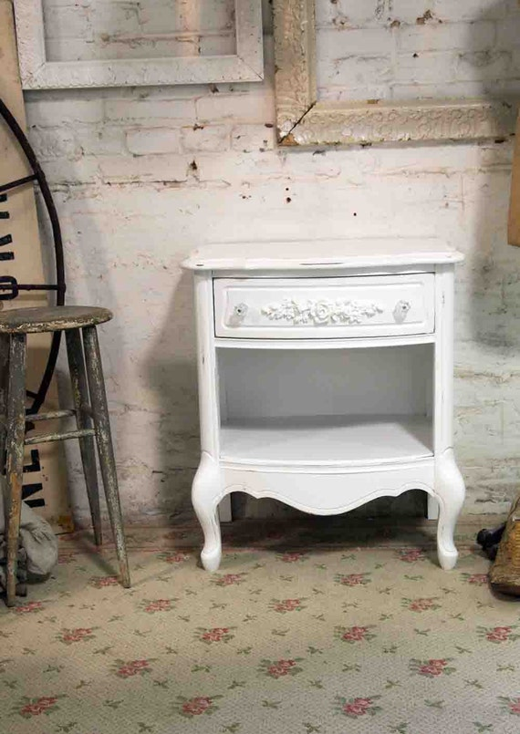 Painted Cottage Chic Shabby White Night Table NT398