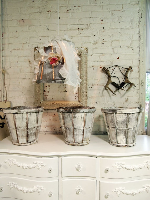 Painted Cottage Chic Shabby Farmhouse Peach Baskets