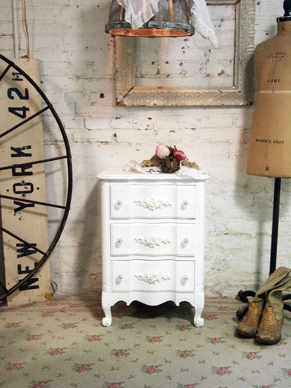 Painted Cottage Chic Shabby White Romantic Night Table NT421