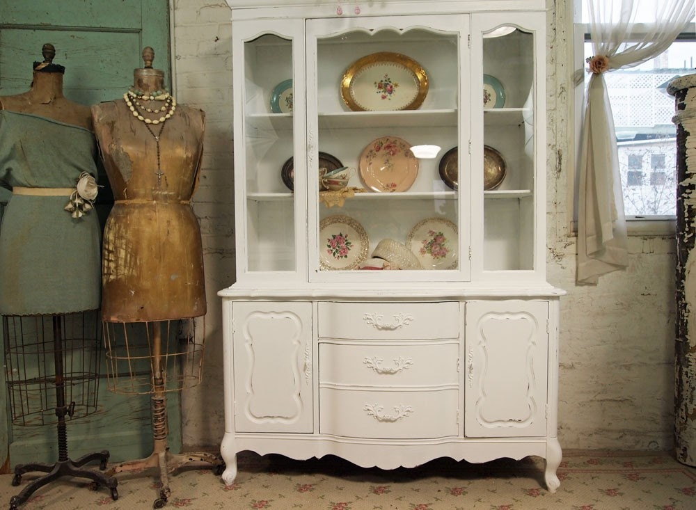 vintage painted cottage chic shabby white french provincial. Black Bedroom Furniture Sets. Home Design Ideas