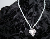 Heart w\/glass pearl faceted diamond necklace