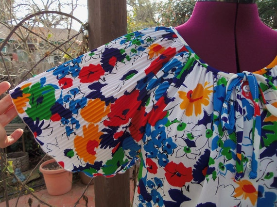 1970s Blouse 1970s Floral Blouse 70s Floral Top  Floral Shirt Flowers 1970s Shirt Flutter Sleeves 70s Floral Shirt Size 18 ILGWU Union Label