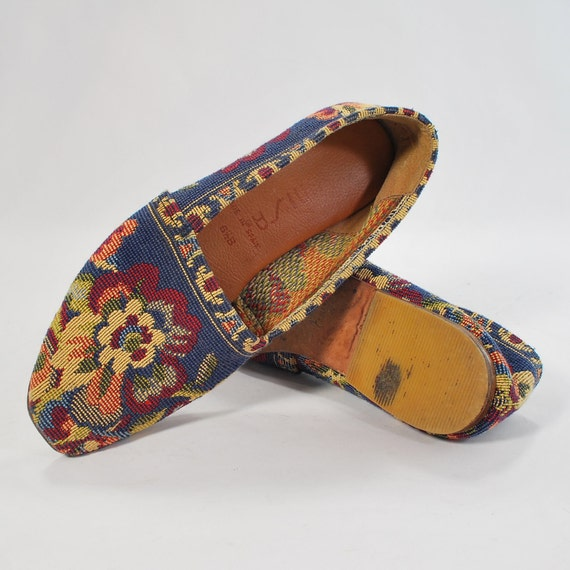 Tapestry Nutjob .vintage faux needlepoint skimmers .bohemian flats with leather soles by Unisa - womens size 6 -
