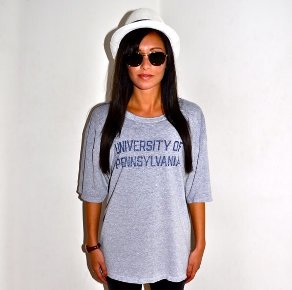 UNIVERSITY of PENNSYLVANIA 1980s Vintage CHAMPION Paper Thin Burnout T Shirt Mens Large L