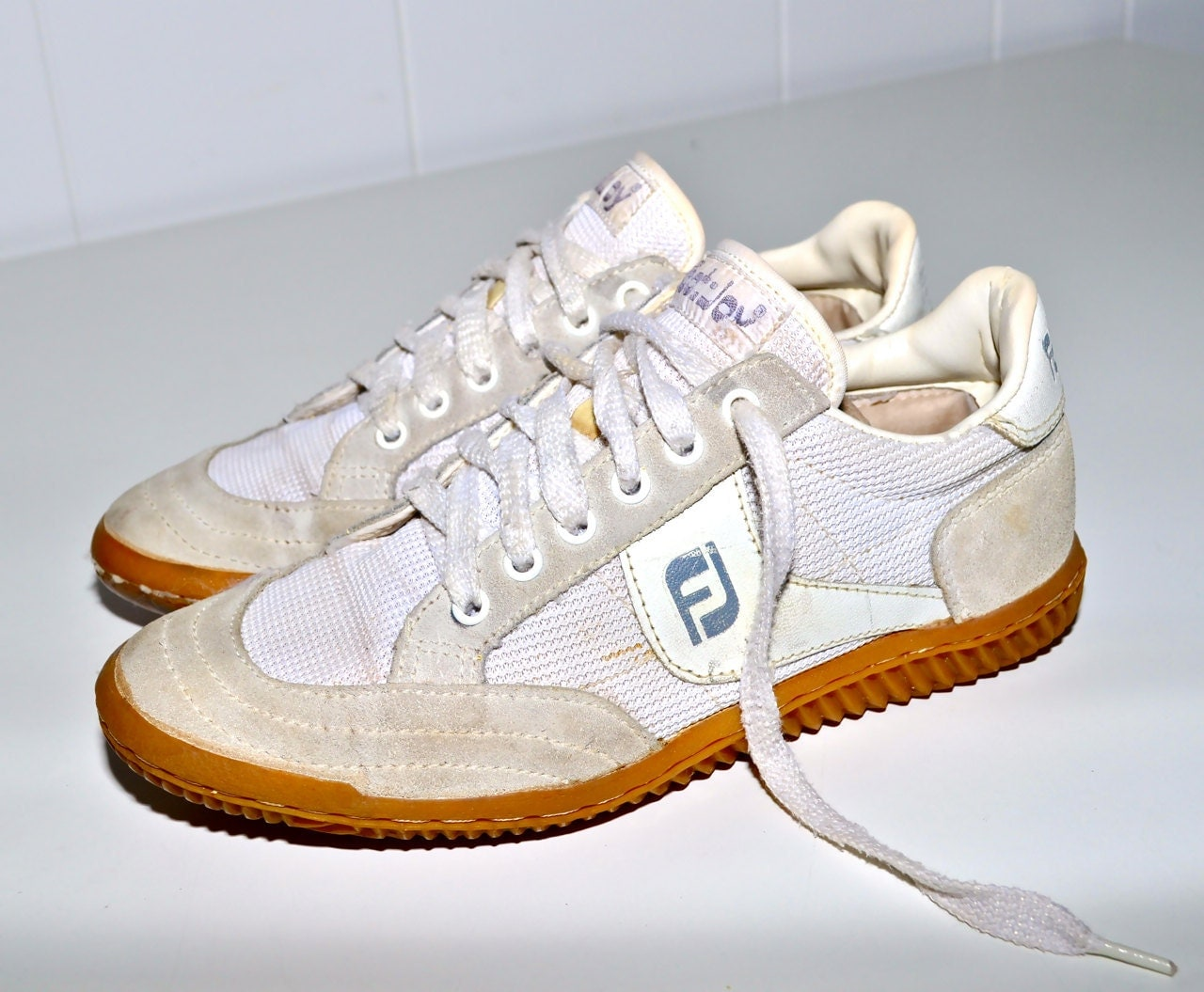 make an offer foot 1980s vintage 80s athletic sneakers