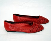 Vintage red woven leather shoes - flats - Trotter shoes - red leather shoes - Size 8/M 9M