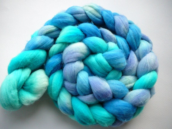 Hand dyed merino wool roving  I'm on a Boat  5 oz