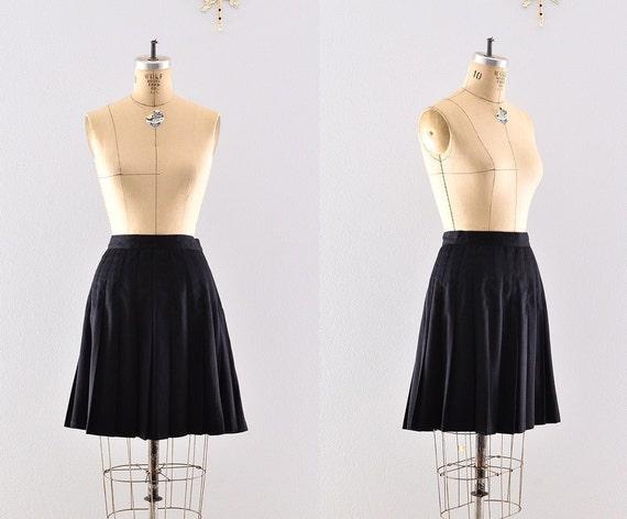 vintage black skirt / inverted pleats / midi skirt