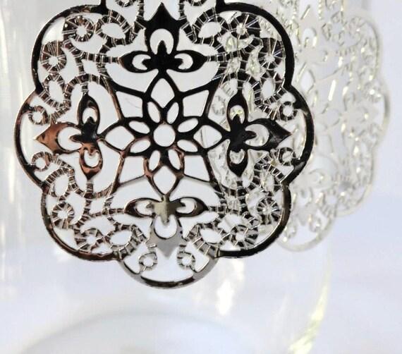 Silver Filigree Earrings- Middle Eastern Earrings- Silver Stamped Earrings- Filigree Medallion Earrings ES-F2