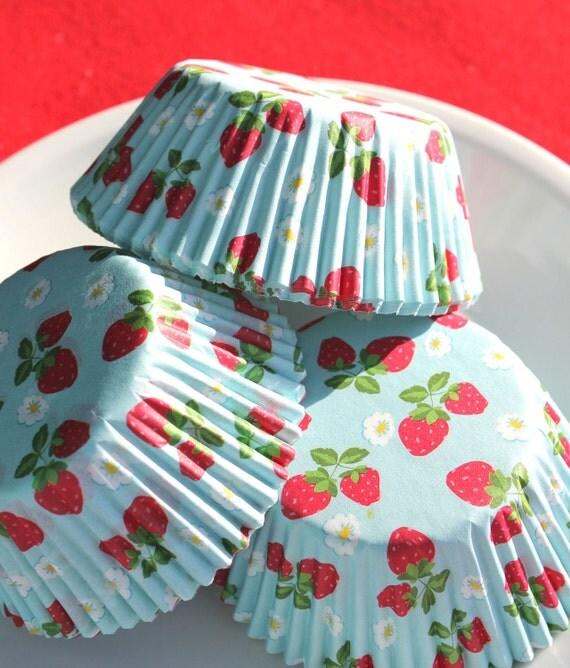 Strawberry Print Cupcake Liners (75)