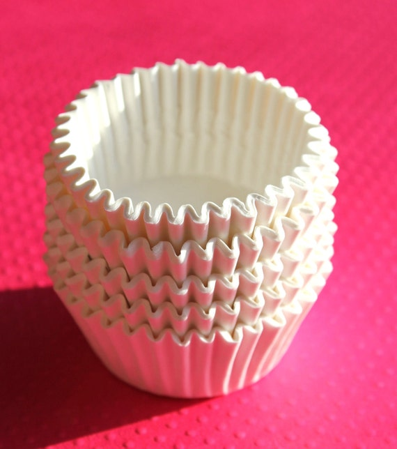 MIDI-Medium Size White Cupcake Liners (150) - perfect for the in between size cupcake
