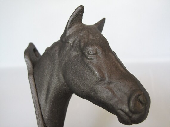 Vintage Cast Metal Wall Hook Horse Head Key Or Coat Holder