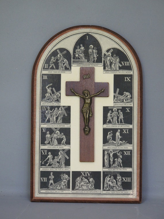 Vintage Stations of The Cross Religious Unique Wood Wall Plaque / Crucifix, Wooden Cross, Brass Jesus Christ, Small INRI Plaque
