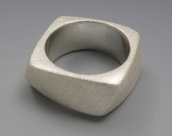square cast ring - wide