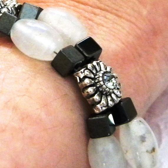 Quartz Beaded Bracelet, Quartz Bracelet, White Quartz Bracelet, Beaded Bracelet, Beaded Quartz Jewelry