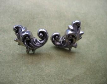 Vintage 1960's, Silver tone Metal, Screw back Earrings.