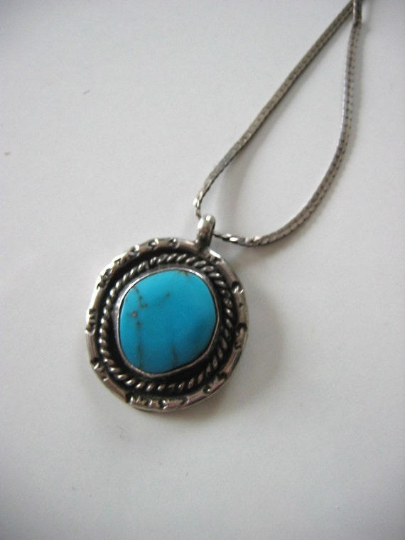 Vintage Native American Turquoise PENDANT necklace. Newer 925 Silver chain.