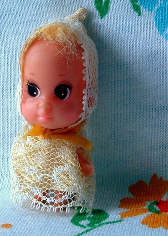 Retro Liddle Kiddles BABY DIN DIN Liddle Kiddle - Vintage 2 inch doll - Original outfit - 43 Years Old