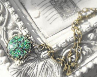 Emerald Green Fire Opal Crystal Vintage Cabochon Pendant Necklace, Fancy Antique Brass Chain