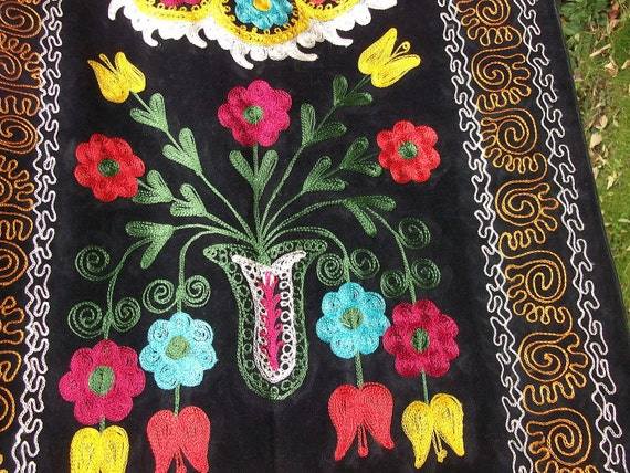 Dazzling  Zardevor  Suzani wall hanging, tapestry from Uzbekistan. Hand made. Silk Road.