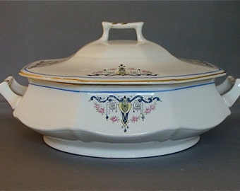 Vintage Covered Casserole Dish