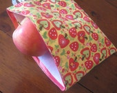 Sandwich/Snack bag in apples on yellow