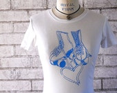 Womans T Shirt, Roller Rink Skate Tshirt ladies cotton crewneck tee shirt in white and blue, Short Sleeved top, vintage soft,  Roller skater