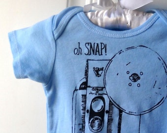 Oh Snap Vintage Camera baby bodysuit, infant creeper, one piece snapsuit, Light Blue, Photographer Gift, Photography Baby Onepiece, Cotton