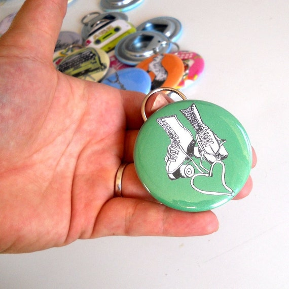 Roller Rink Skate Bottle Opener Key Chain, Kelly Green Key ring, Heart, Jam Skater, Quad Figure Skater, Rollerskate, Drinking Accessory