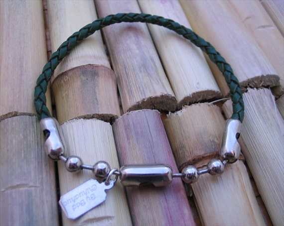 Themis green leather bracelet