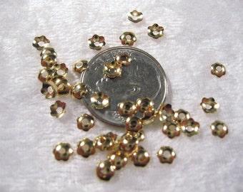 Beadcap - Small Flower - Gold Plated Brass  6mm(48pcs.) : sku 11.19.09.4 - A17