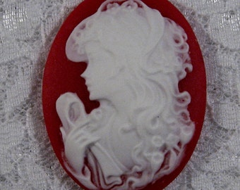 """40x30mm Cameo - White on Red - """"Pretty Girl"""" - 1pc : sku 10.12.11.6 - N13"""