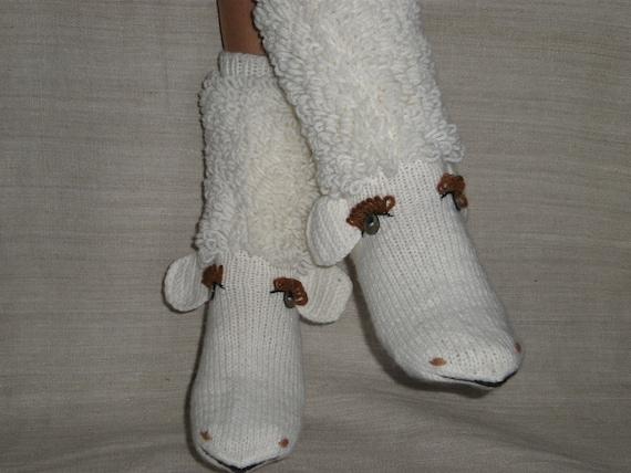 Hand-knitted white color baa-lamb women socks