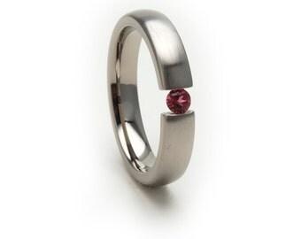 New 4 mm Titanium Tension Set Ring : 4HR-B-TENS-Garnet