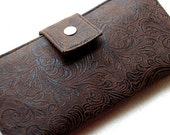 Wallet clutch womens faux tooled leather vegan bifold clutch