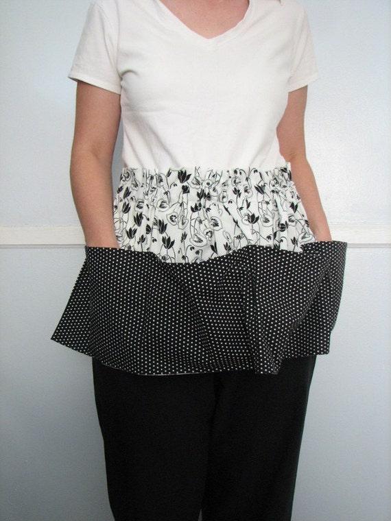 Black and White Vintage-Style Pocket Apron