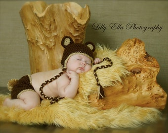 Crocheted Baby Brown Teddy Bear Hat and Diaper Cover set    With an attachable tail