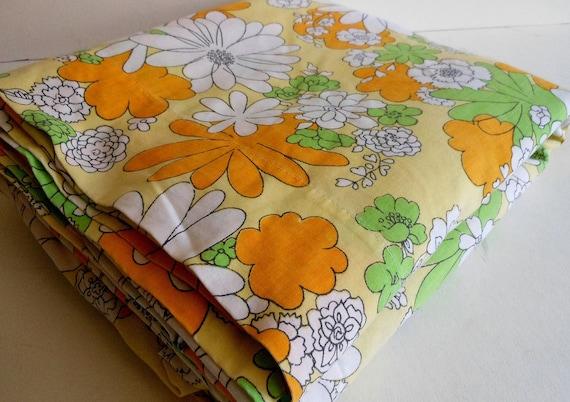 Vintage Retro Mod Daisy Flowers Full Flat Sheet 81 x 104 fabric floral spring orange yellow green white