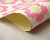2 Sheets of Double-Sided Gift Wrap - Flower Pattern